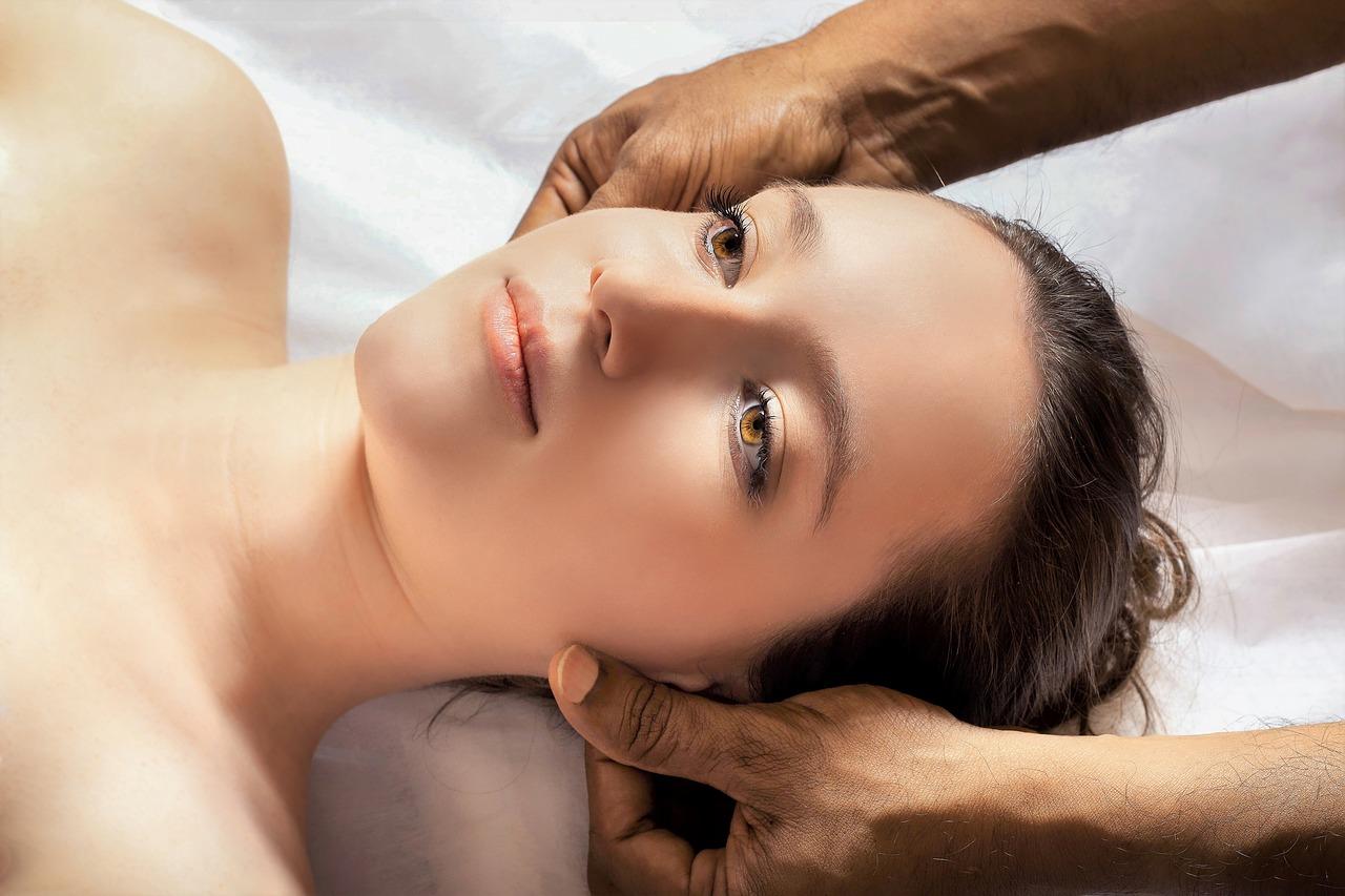 Kopfhautmassage gegen Haarausfall: Hilft es wirklich?