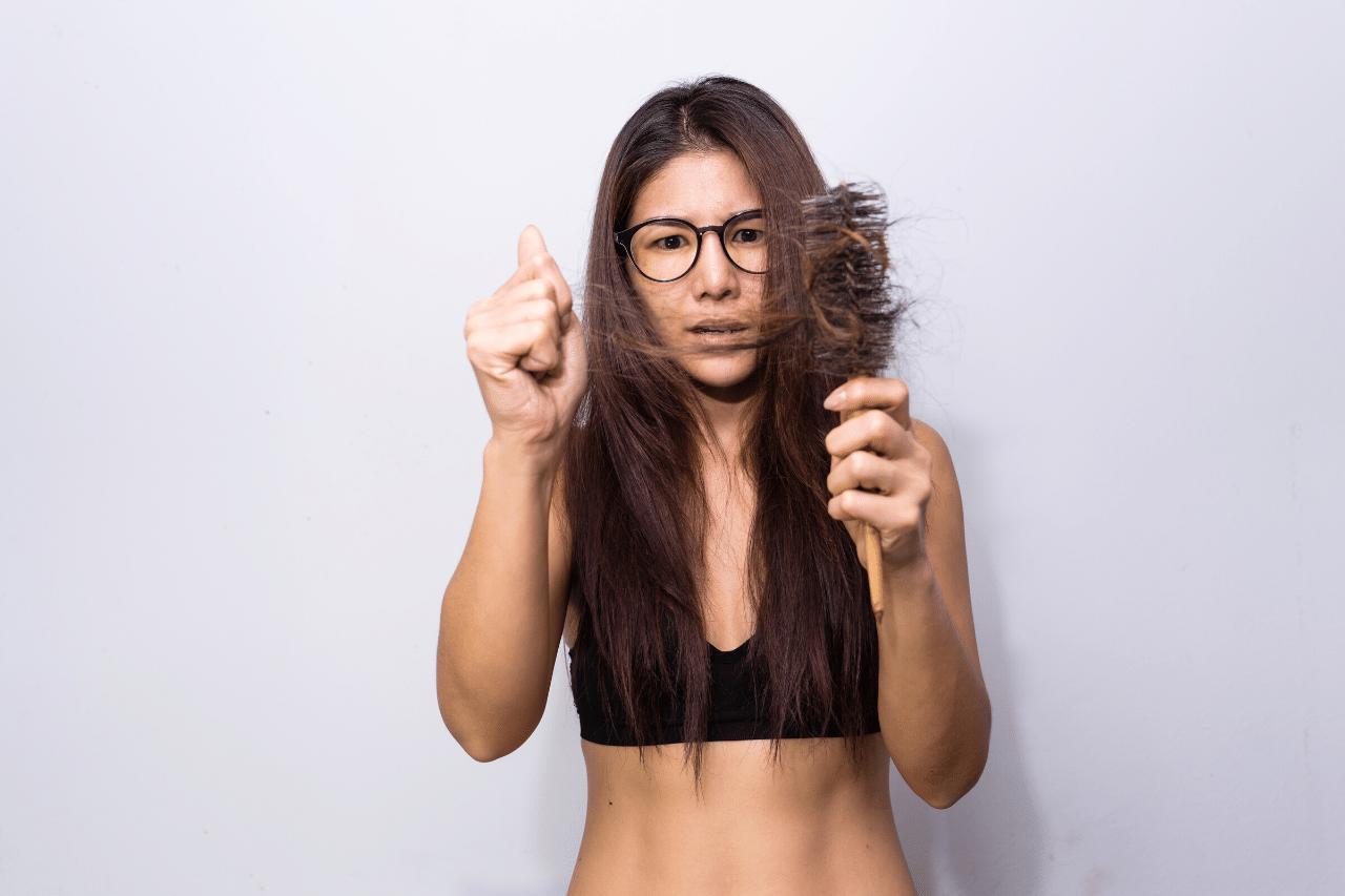 Haarausfall mit Wurzel, was tun Ist es normal Was sind die Ursachen